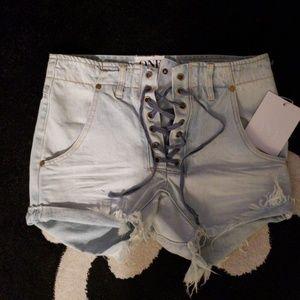 One teaspoon shorts! NWT